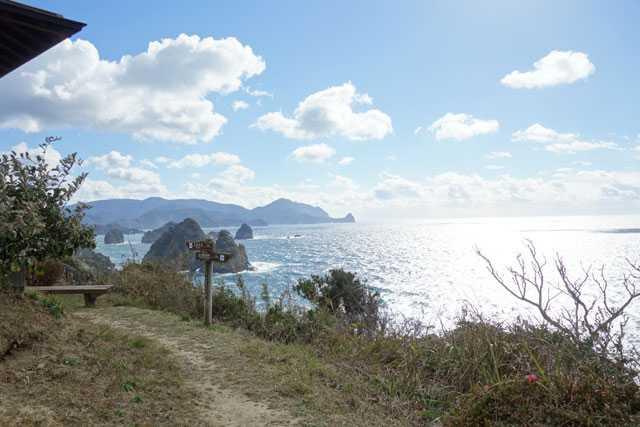 東屋付近。堂ヶ島方面の景色。