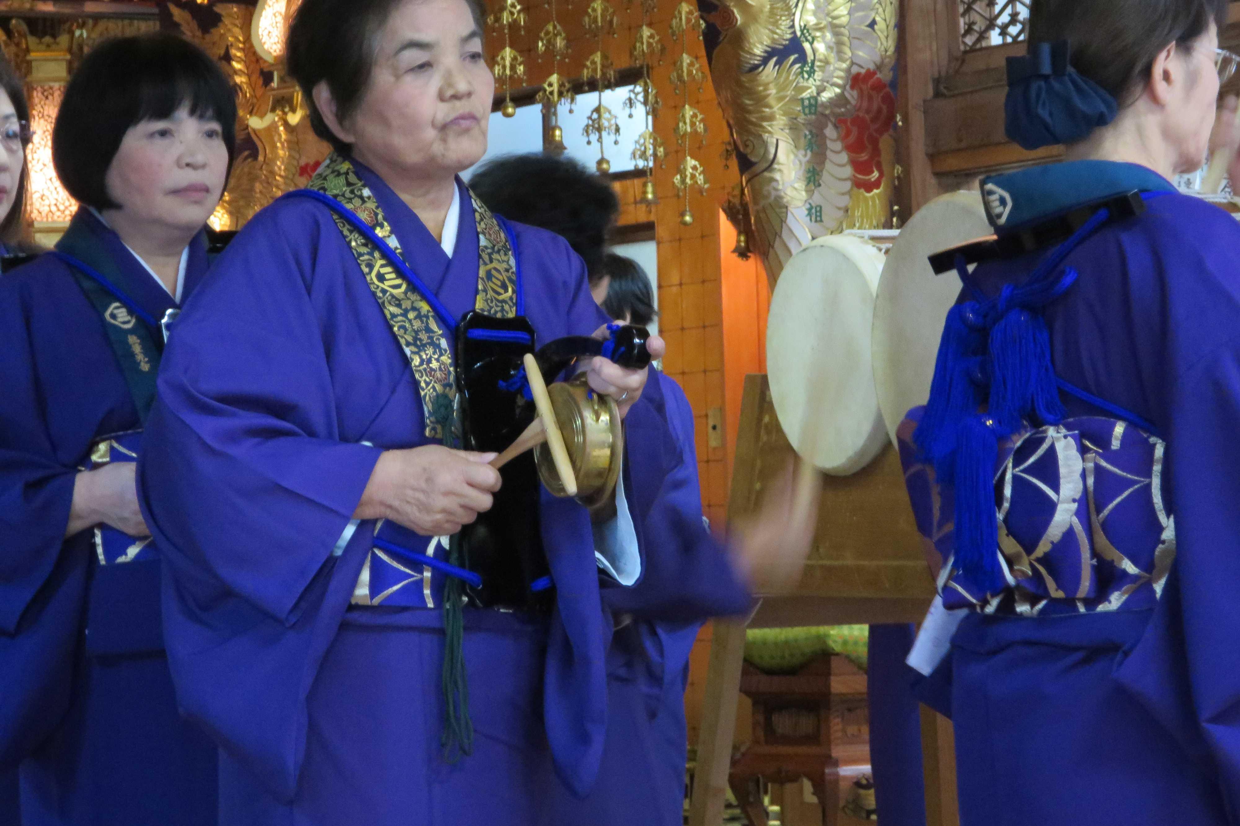 無量光寺の踊り念仏 - 鉦(かね)と撞木(しゅもく)