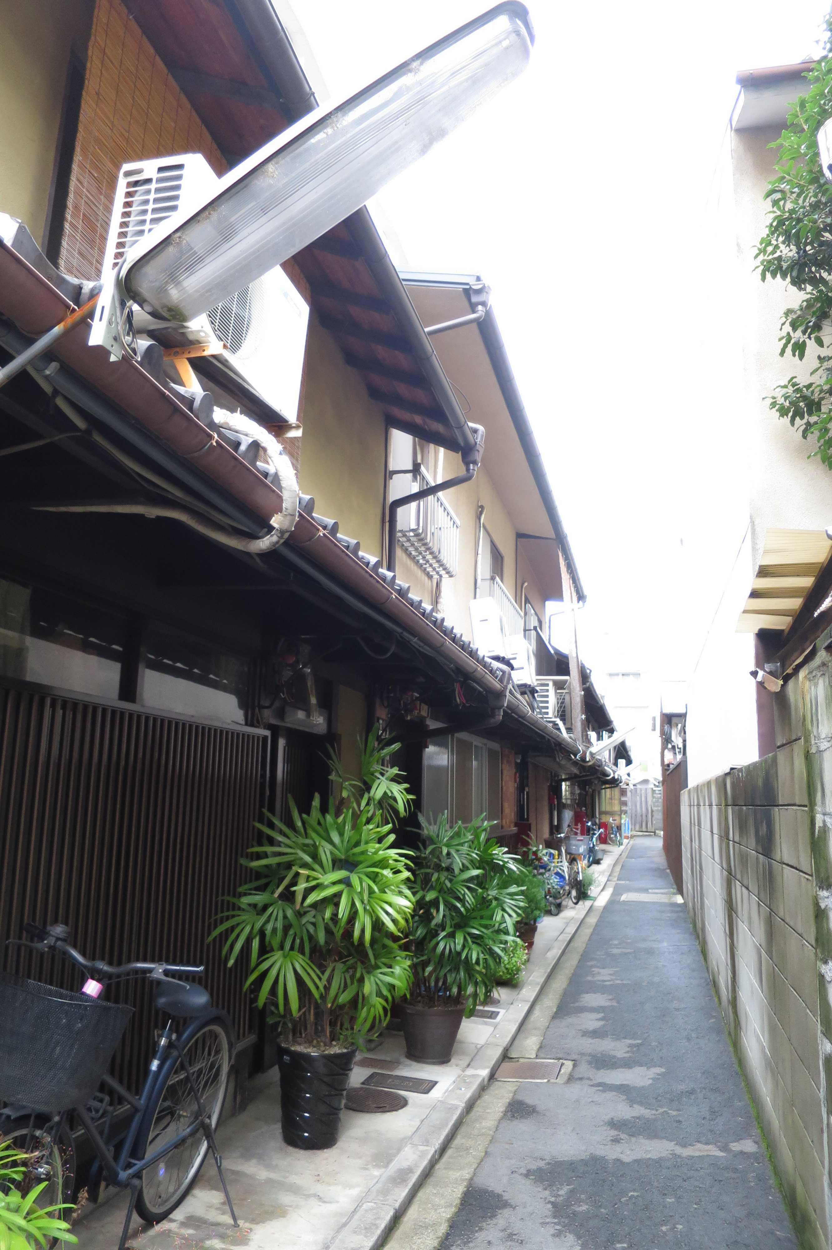 京都の細い路地
