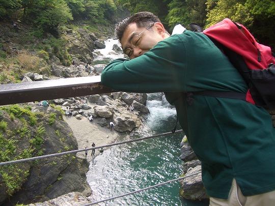 奥多摩・古里駅から鳩ノ巣渓谷へ新緑清流ハイキング