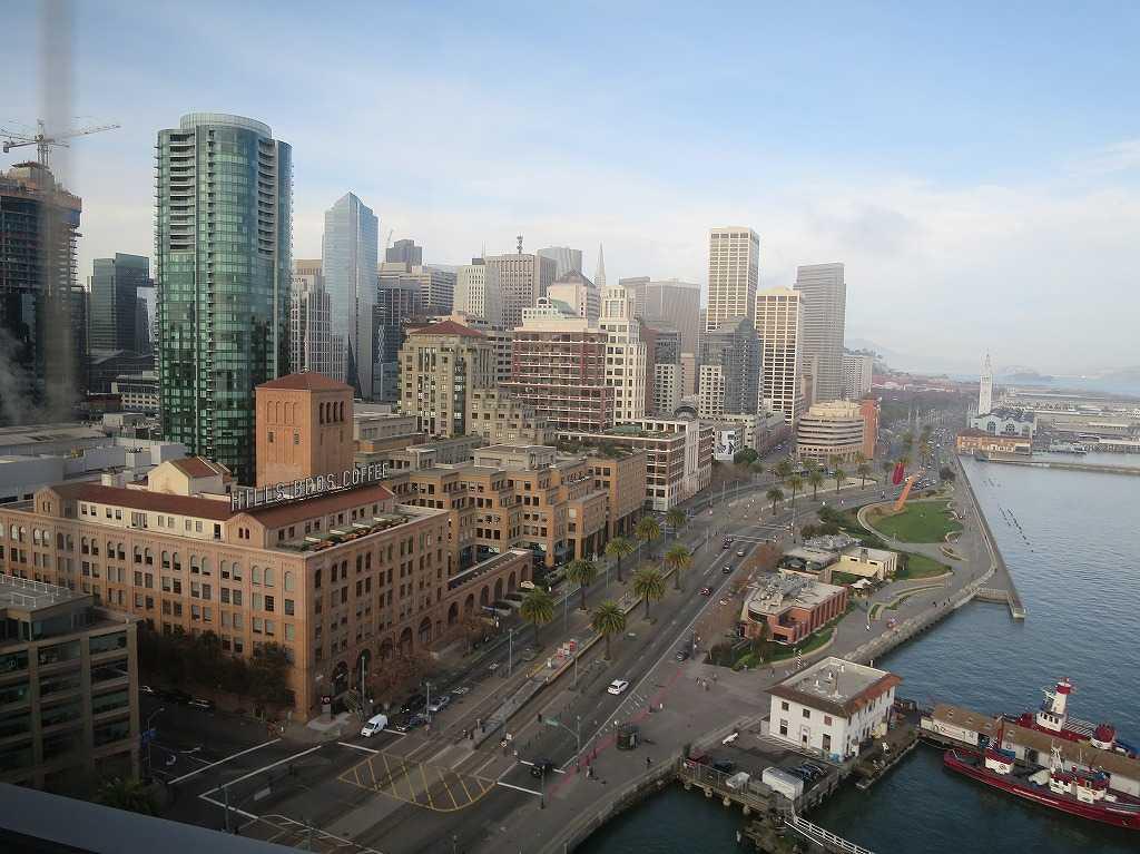 サンフランシスコ・オークランド・ベイ・ブリッジから見たサンフランシスコの街
