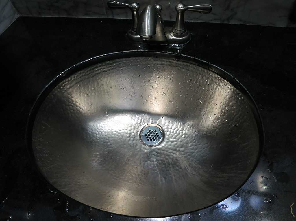 サンノゼ - Rosie McCann'sのトイレの洗面