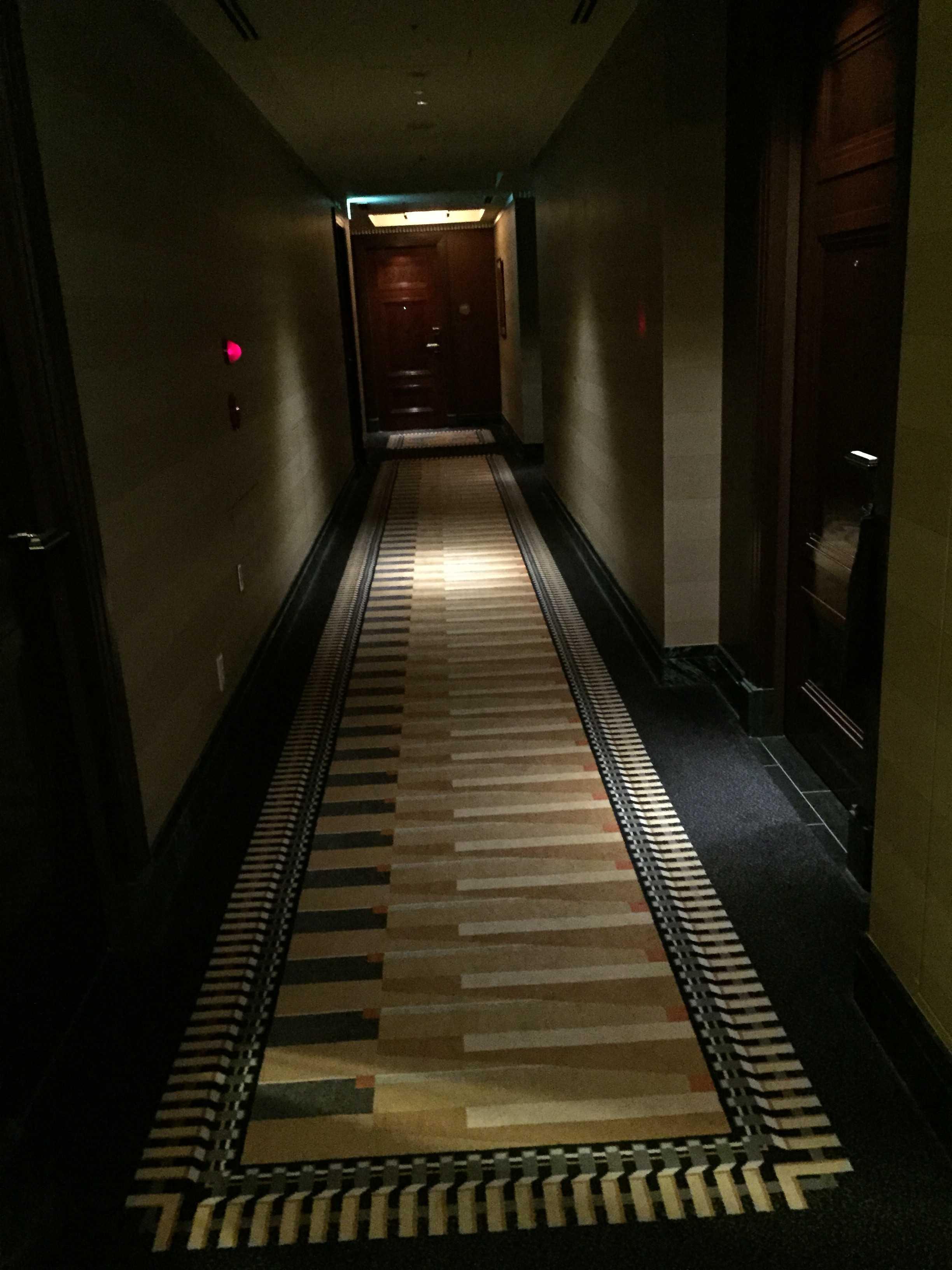 東京ベイコート倶楽部 1401号室の廊下