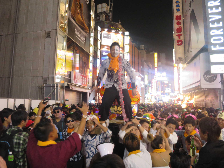 渋谷ハロウィーン - ハロウィン神輿