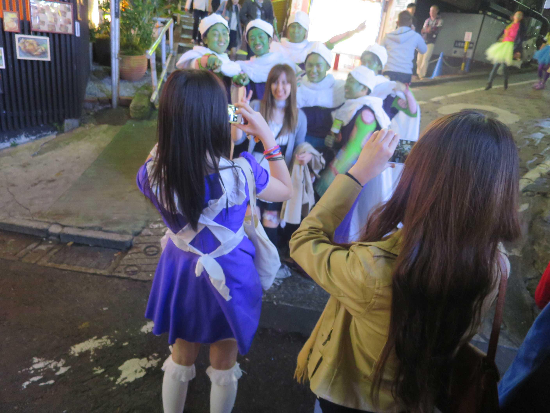 渋谷ハロウィーン - 緑色の顔の男たち