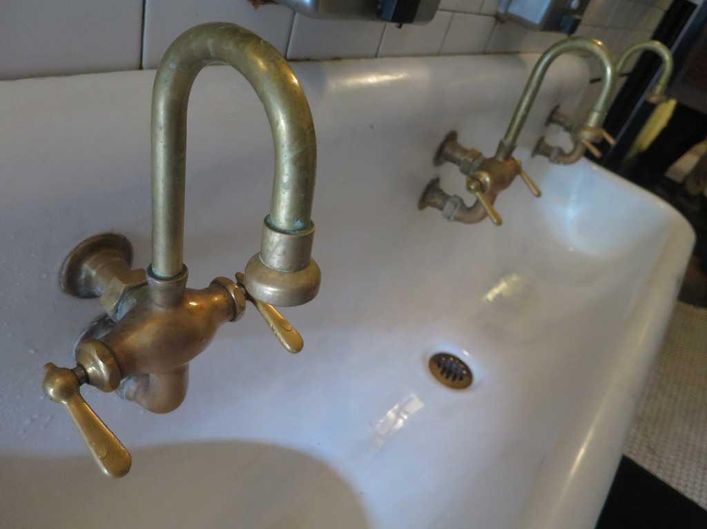 ヘイトアシュベリー - トイレの手洗い場