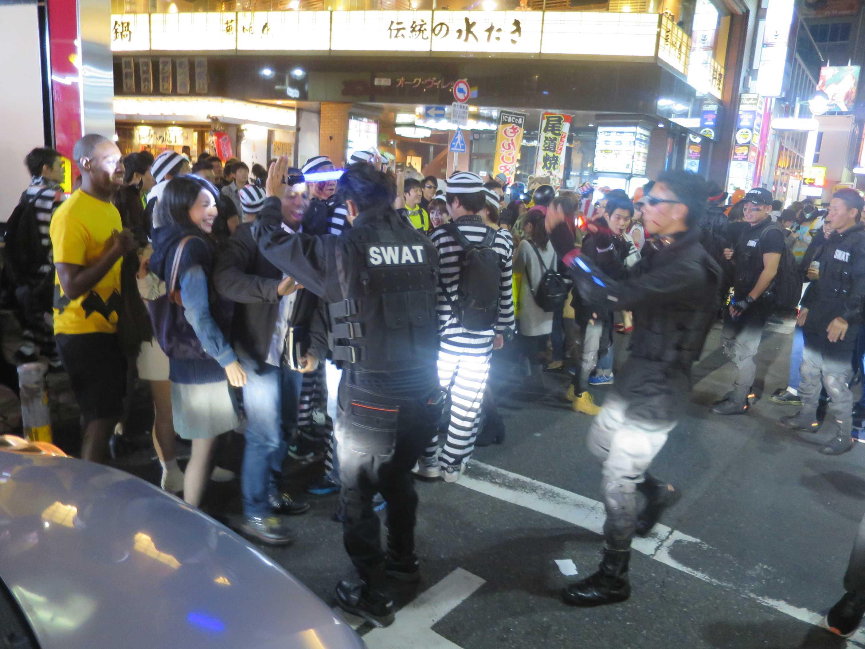 渋谷ハロウィーン - SWAT(アメリカ警察特殊部隊)