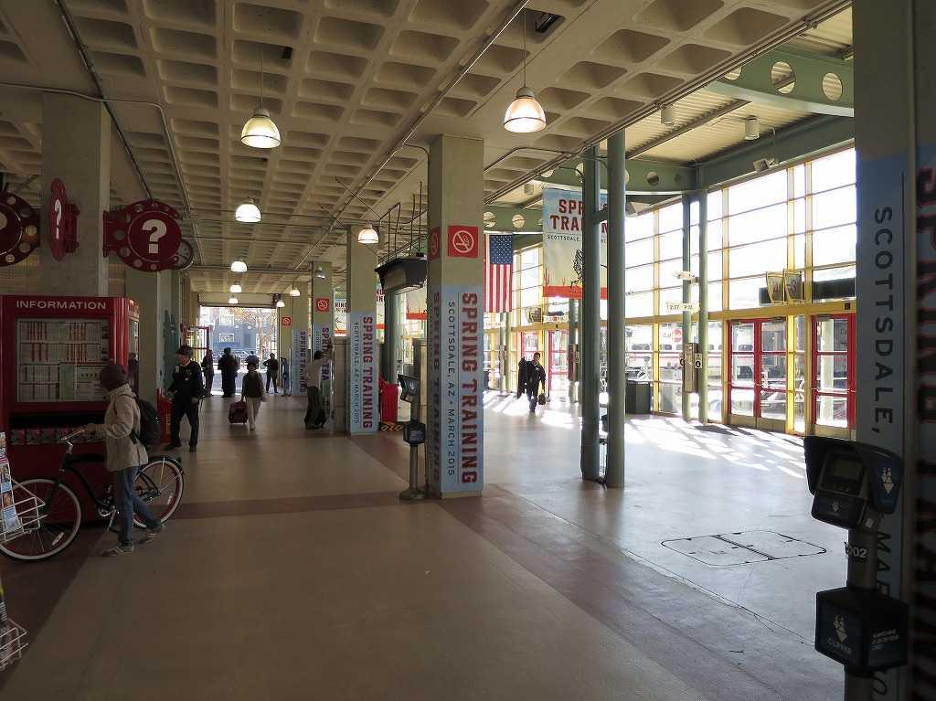 サンフランシスコ - 4番&キングストリート駅(4th & King Street Station)