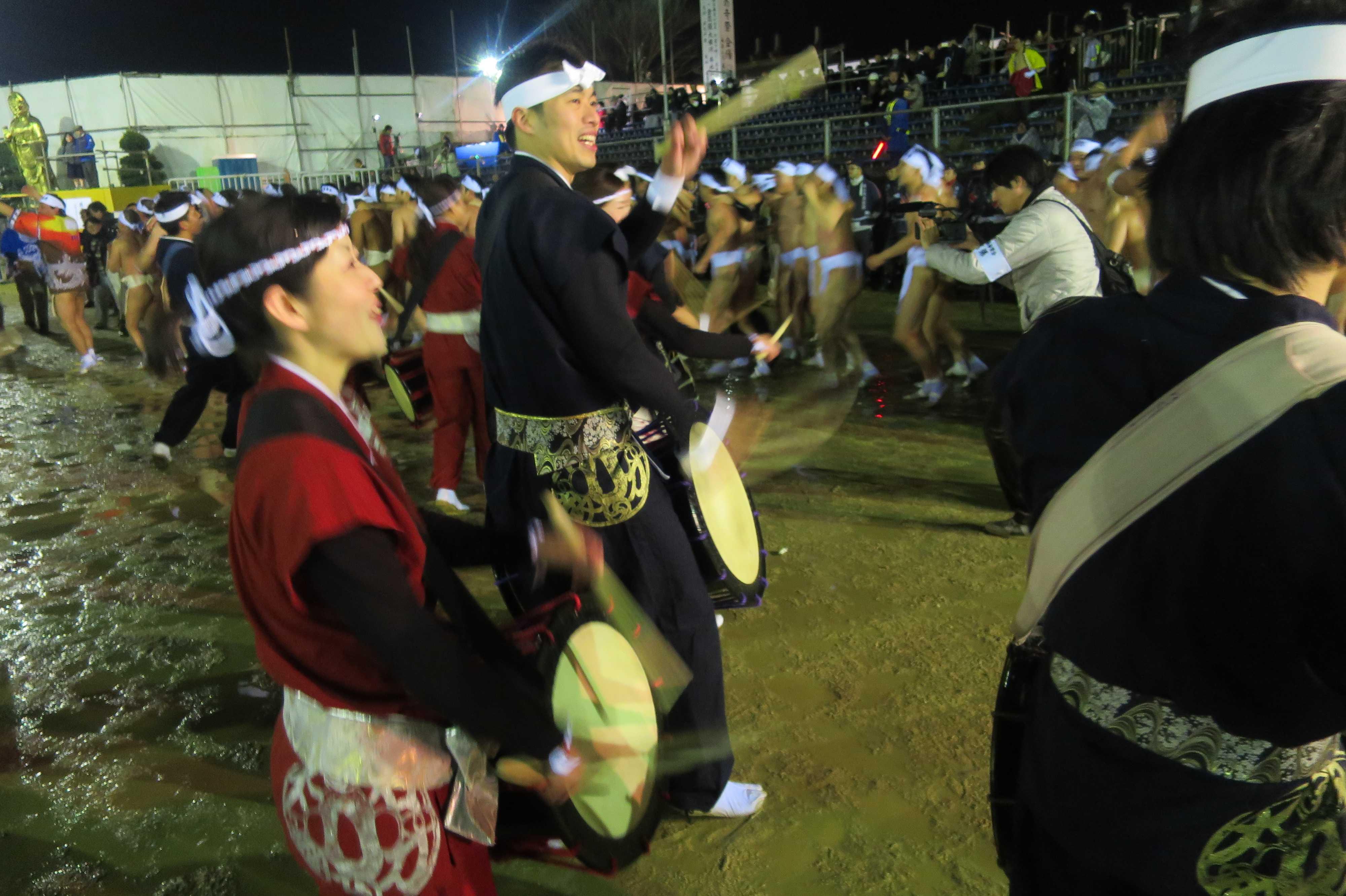 西大寺会陽 - 太鼓で