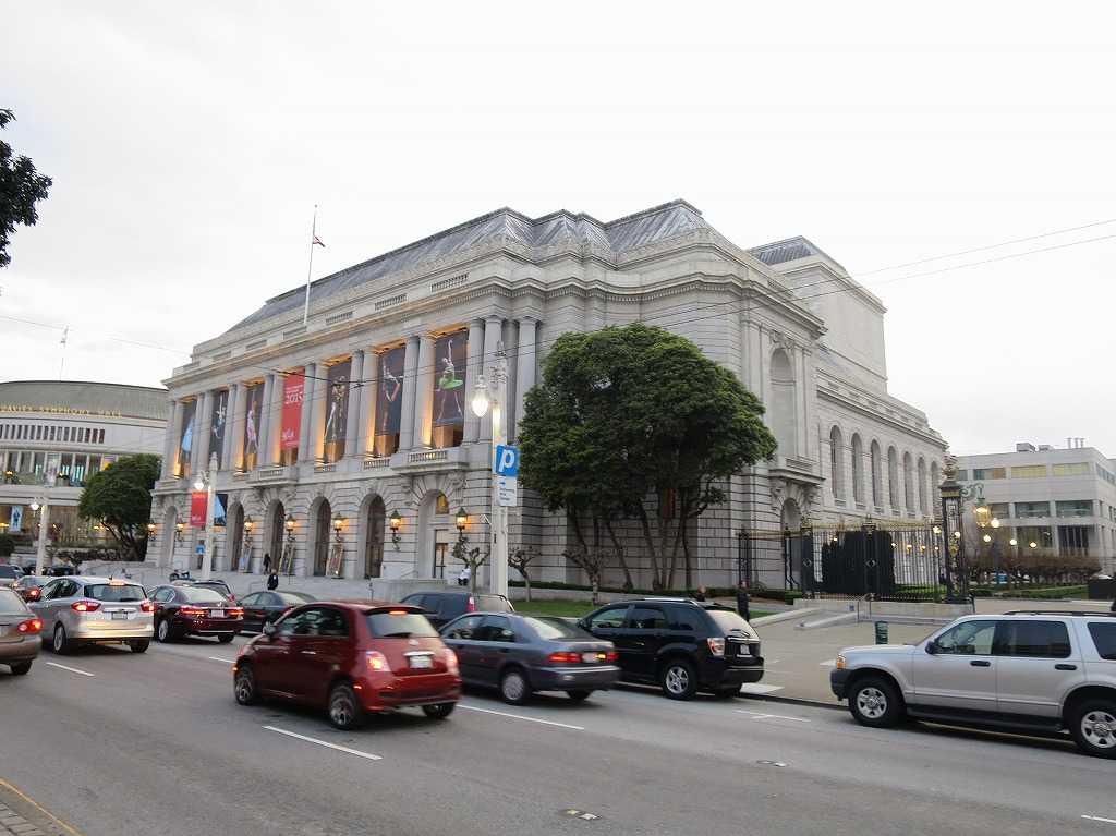 サンフランシスコ・オペラハウス(San Francisco Opera)の外観