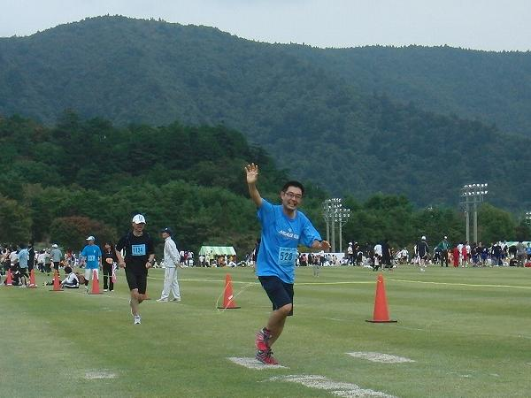 富士・鳴沢紅葉ロードレースを走る村内伸弘