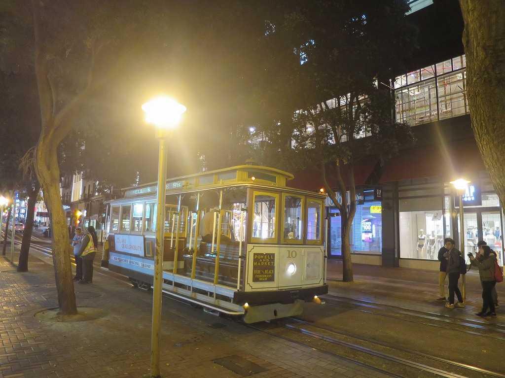 サンフランシスコ - 夜のケーブルカー