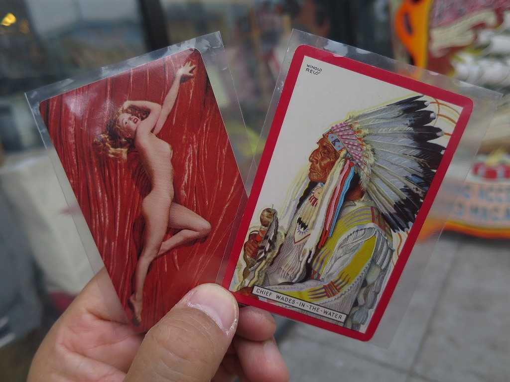 ヘイトアシュベリー - 裸のマリリン・モンローとインディアンの酋長