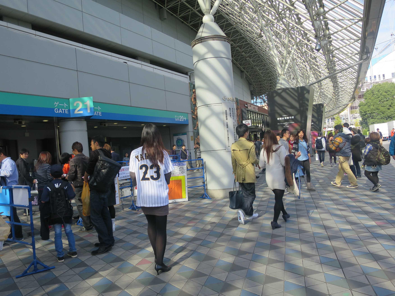 東京ドーム 25番ゲートに向かいます