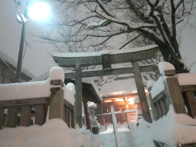 大雪の日の永福稲荷神社の鳥居