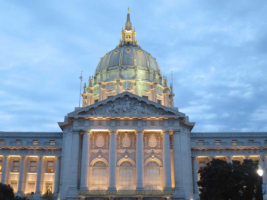 マリリン・モンローとジョー・ディマジオの結婚式 - サンフランシスコ市庁舎