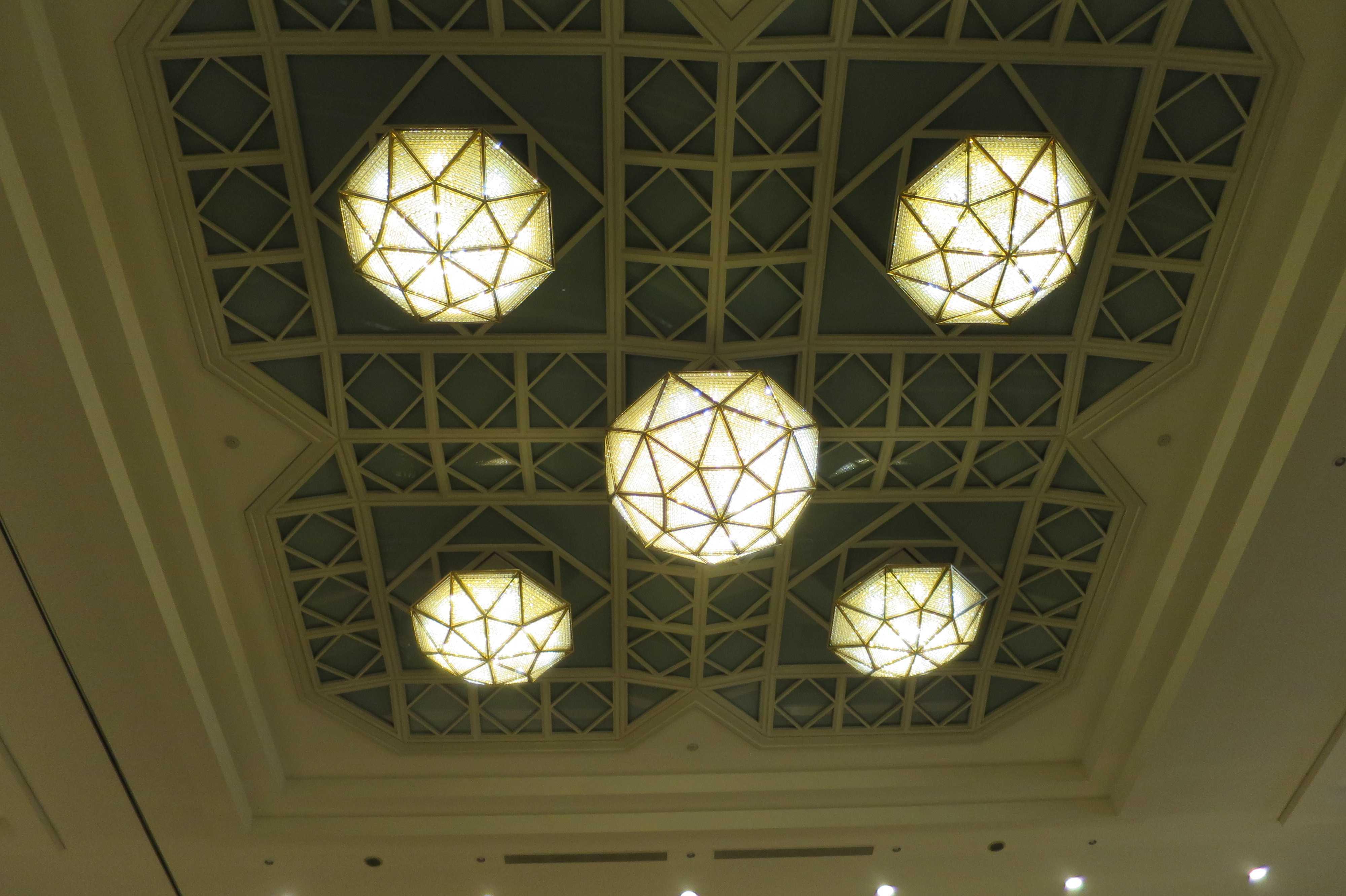 トーハク(東京国立博物館)の天井照明