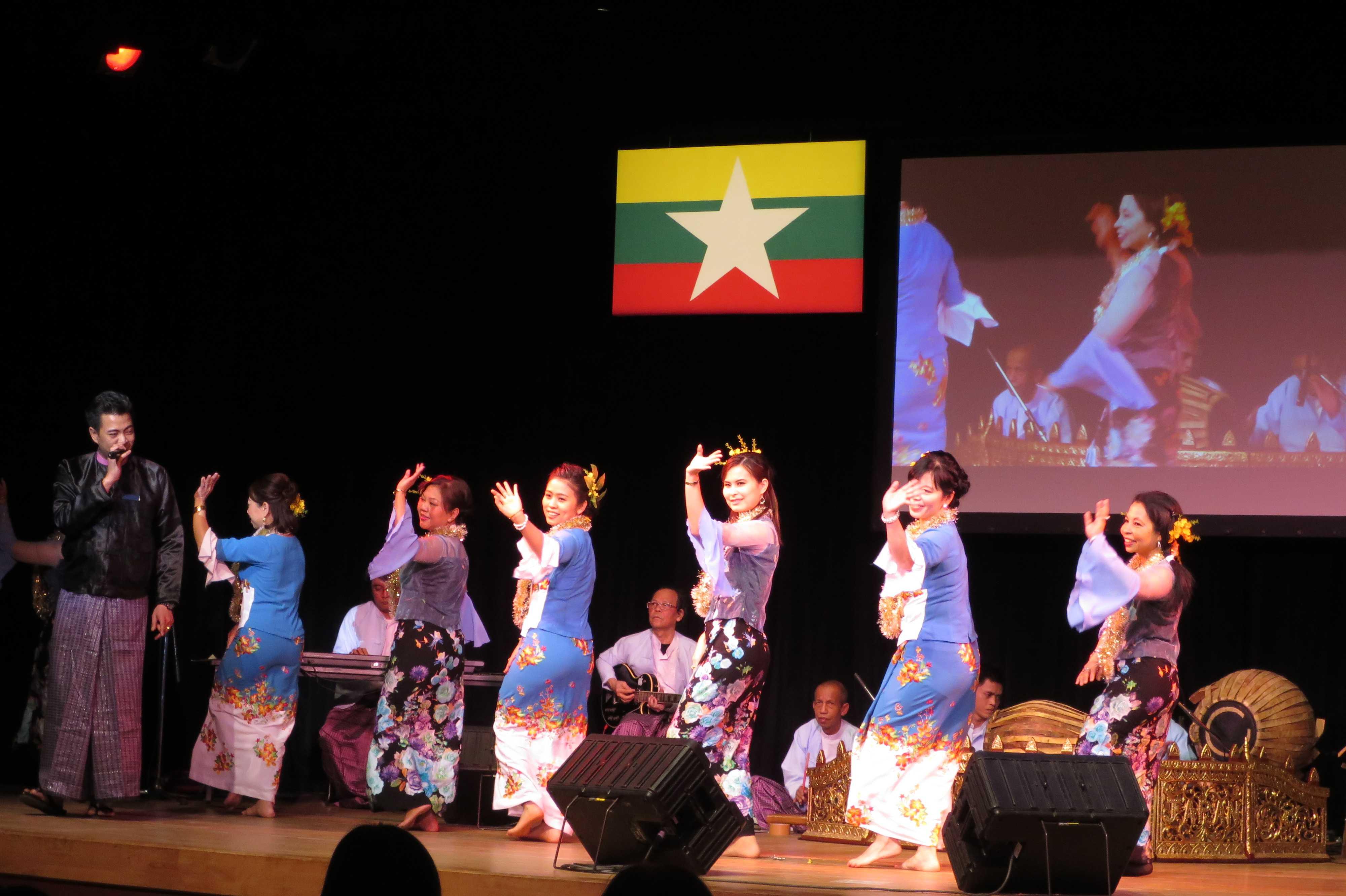ミャンマーの民族舞踊 - ミャンマー祭り2016