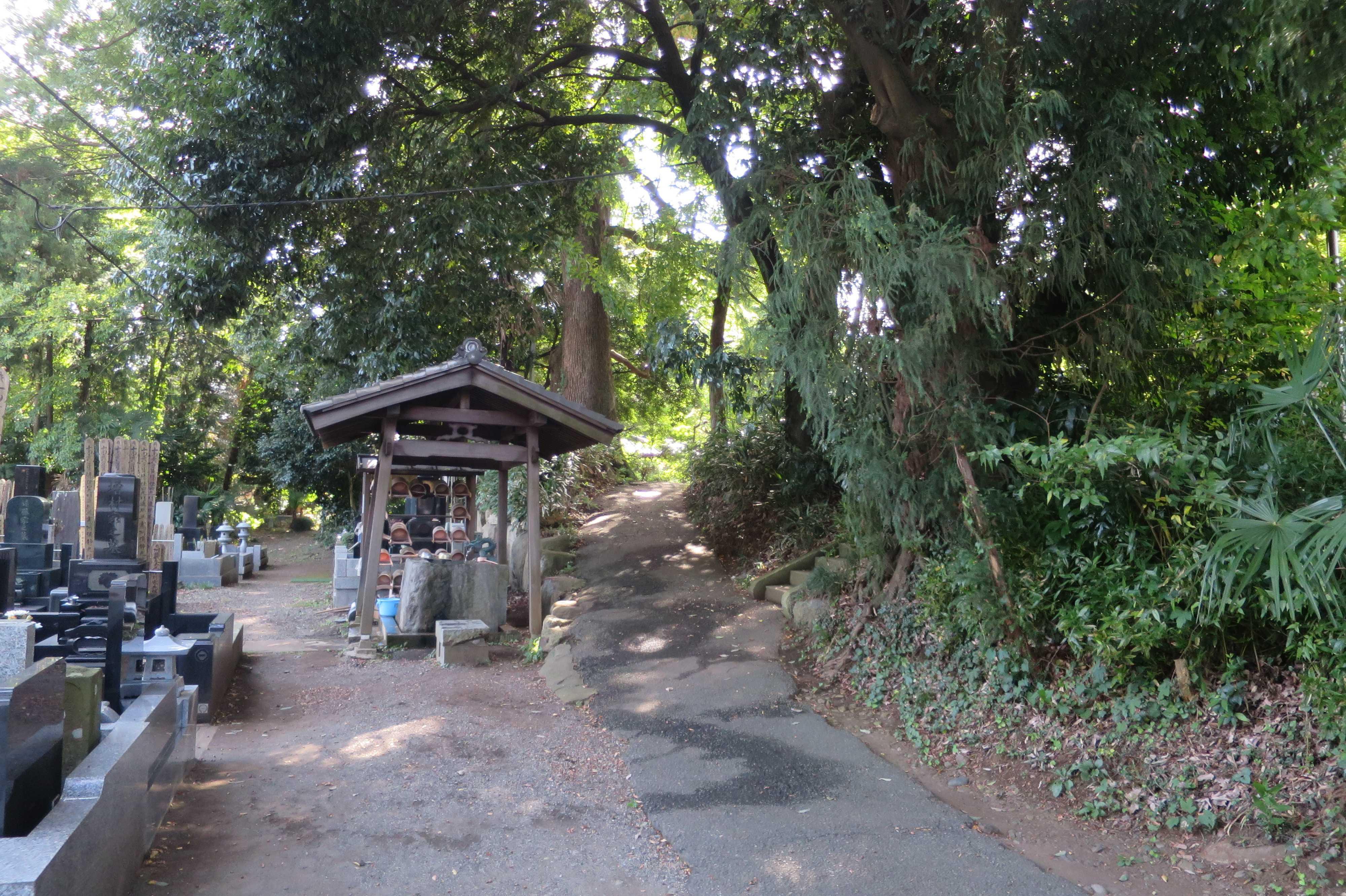 無量光寺の墓地(お墓)