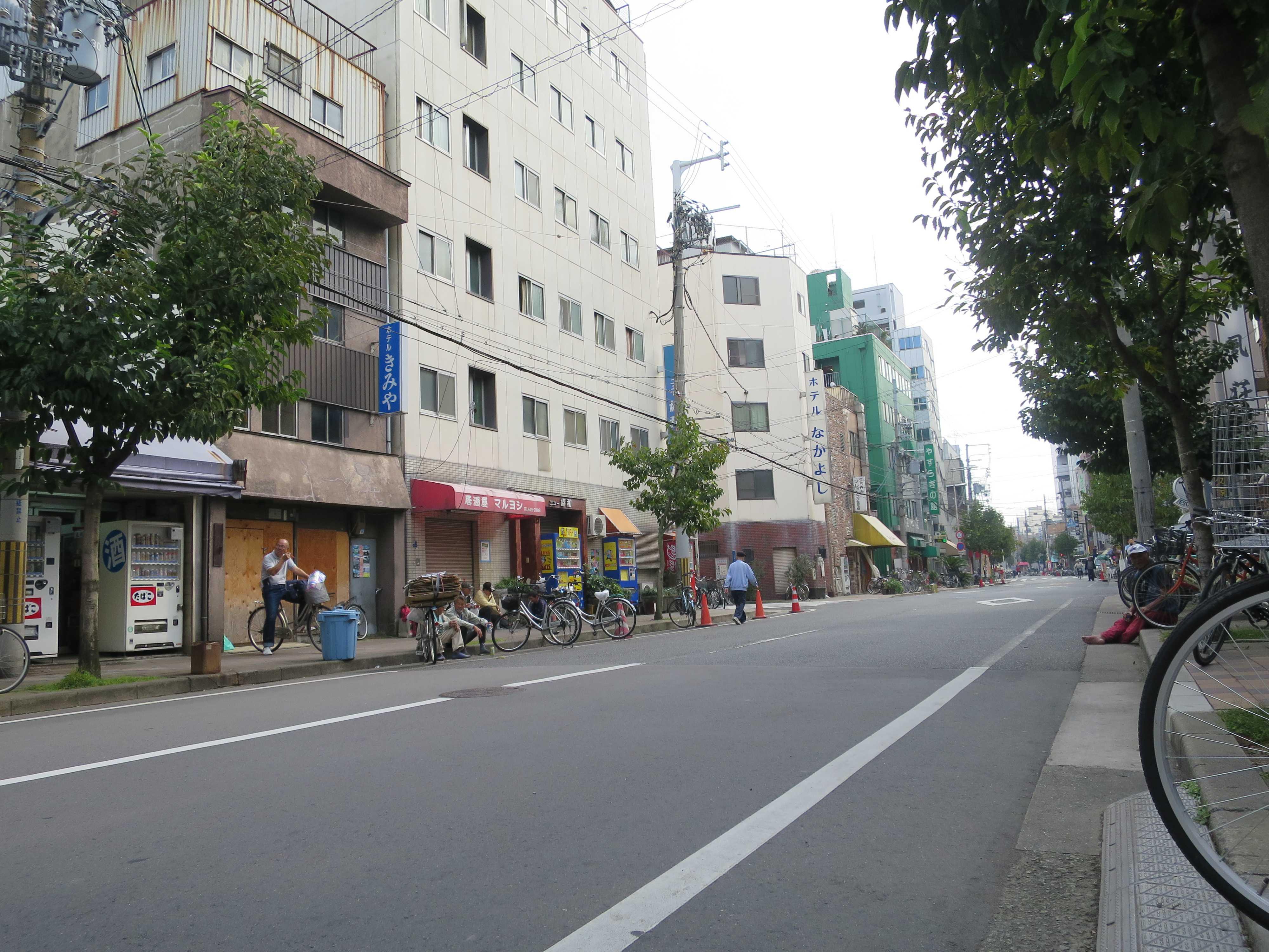 西成のメインストリート