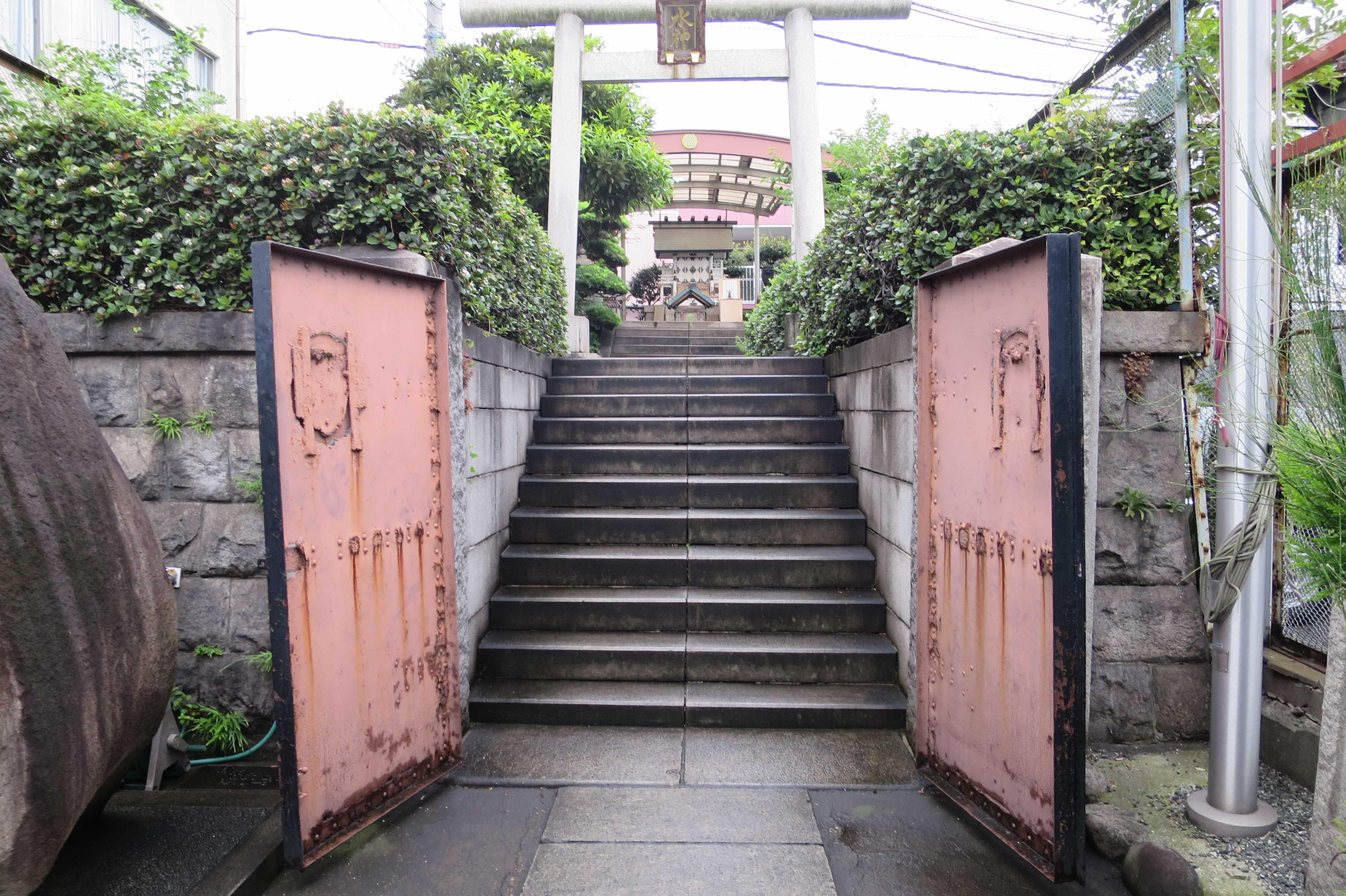 築地市場(場内) - 水神社遙拝所入口