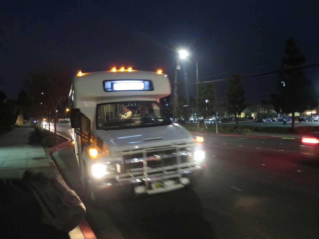 レッドウッドシティ - 無料シャトルバス