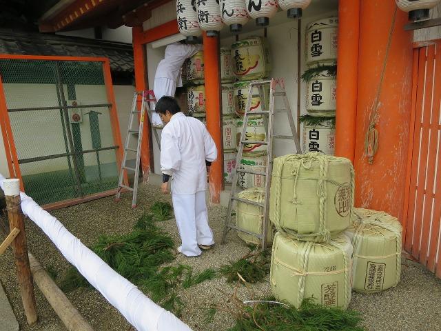 年越し準備中の八坂神社
