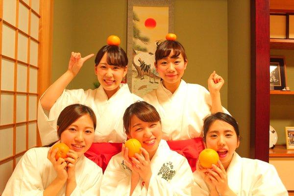 上神明天祖神社の巫女さん達