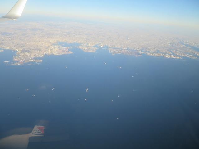 上空から見た横浜港や京浜工業地帯
