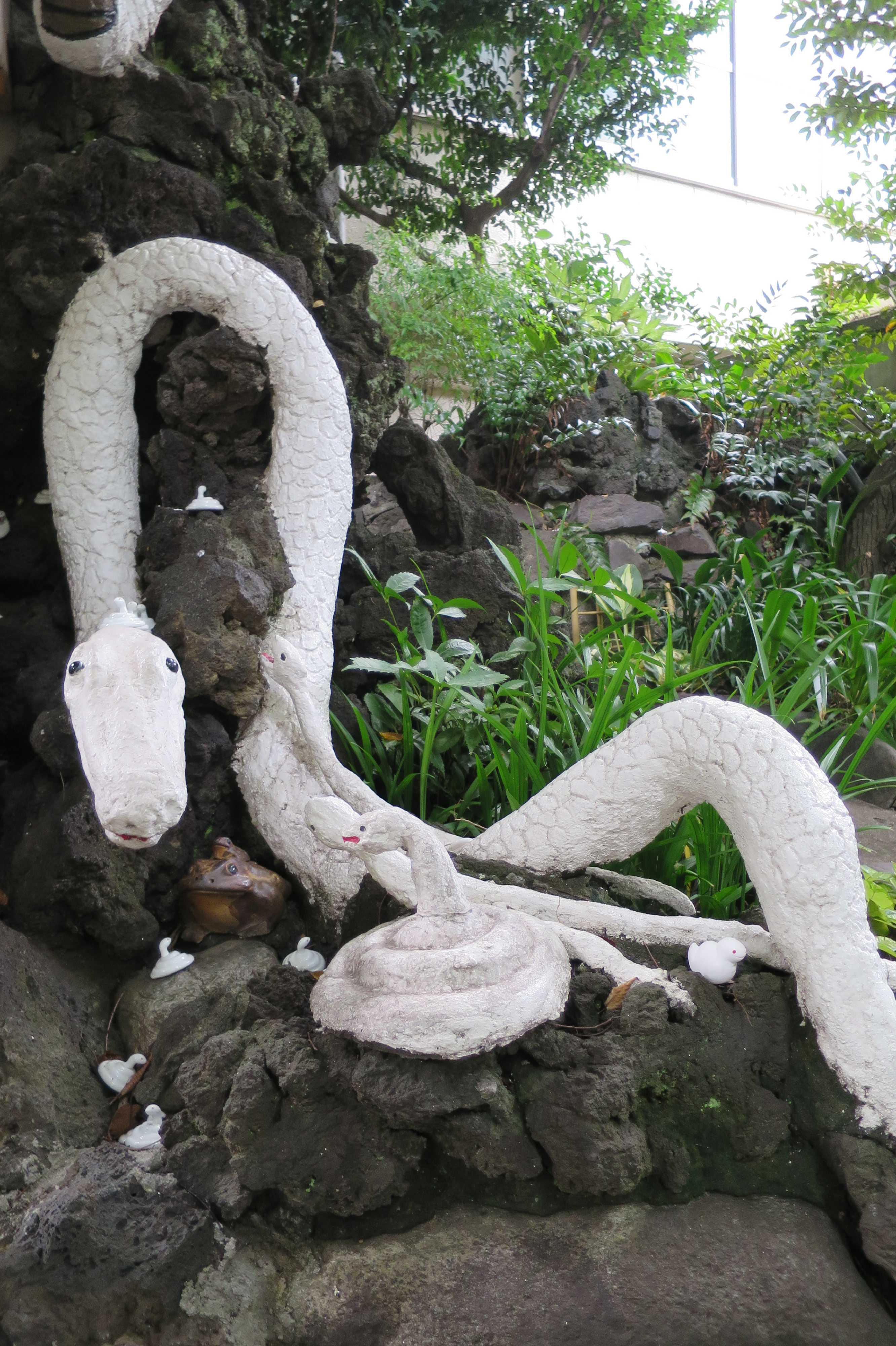 東京の白蛇(上神明天祖神社)