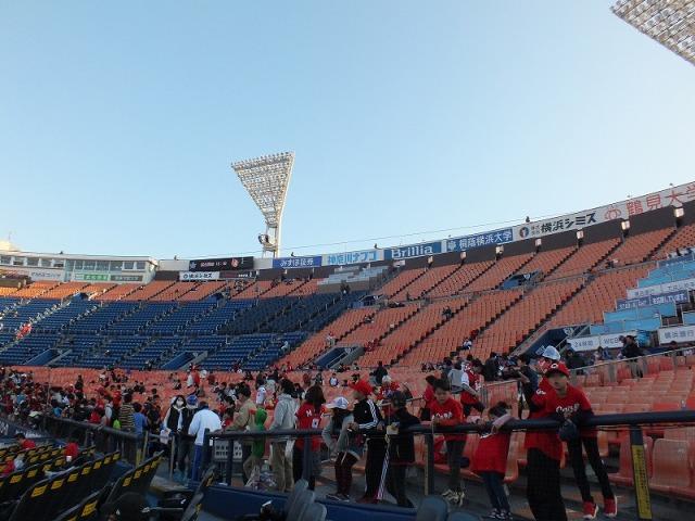 横浜スタジアムのスタンド