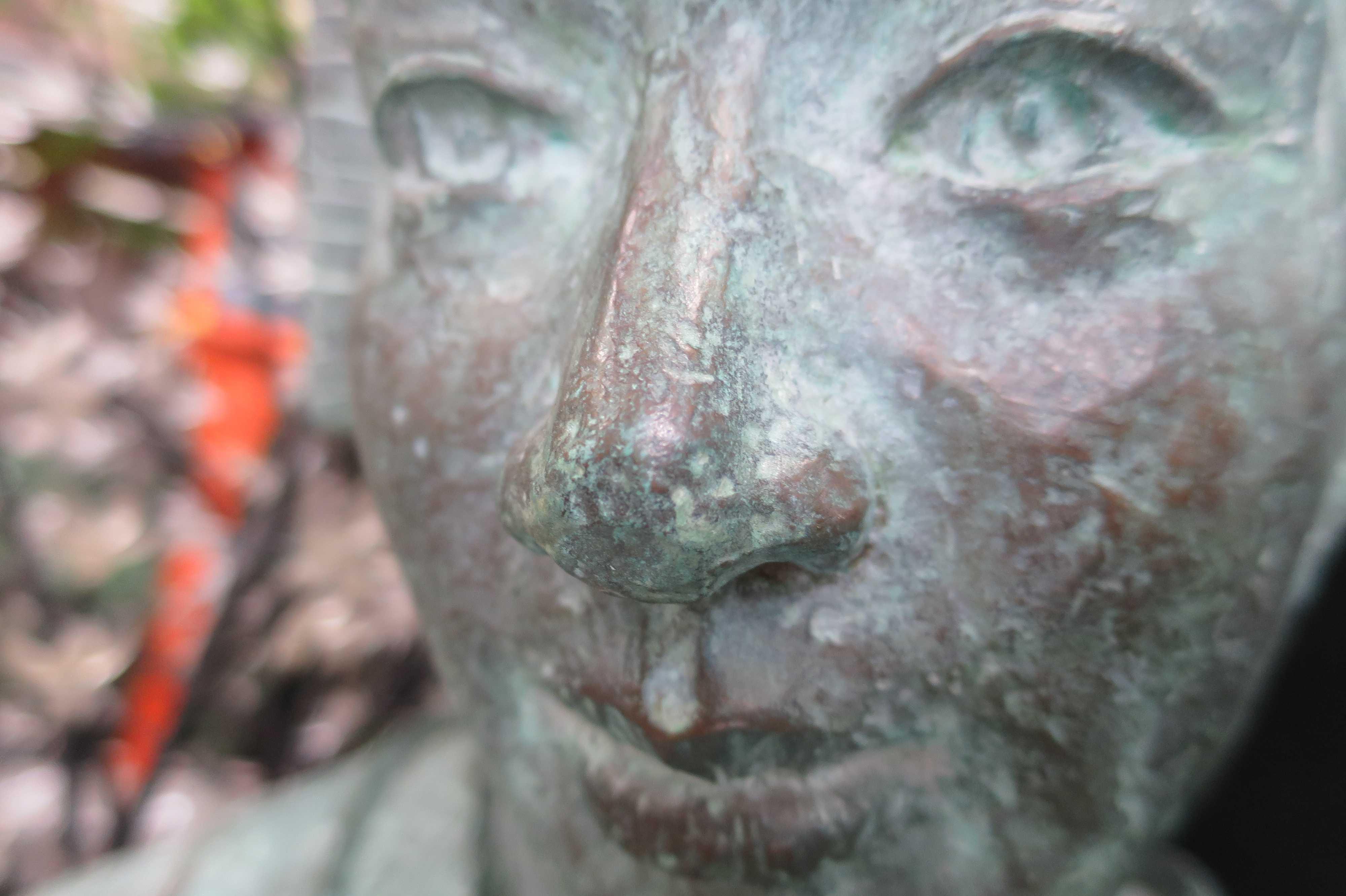 露天神社(お初天神)のお初の銅像(ブロンズ像)