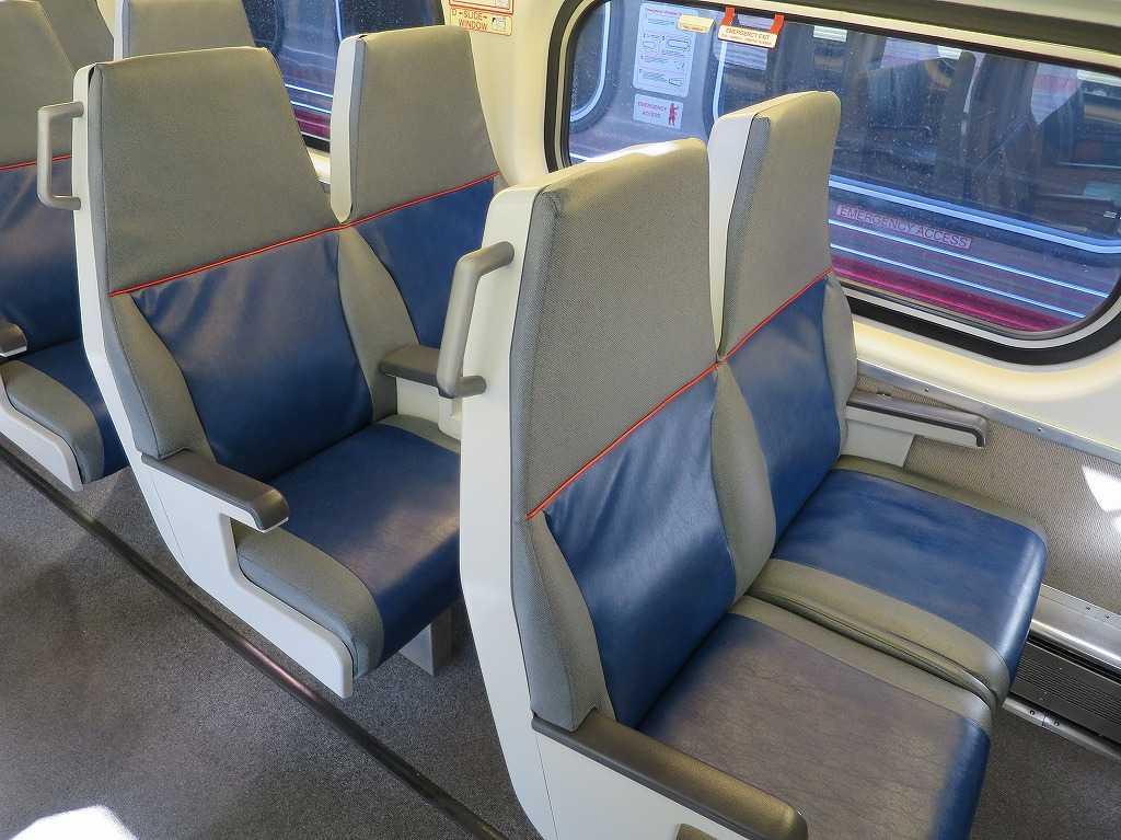 カルトレインの座席シート