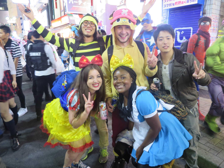 渋谷ハロウィン - 白人も、黒人も、黄色人種も、みな兄弟。