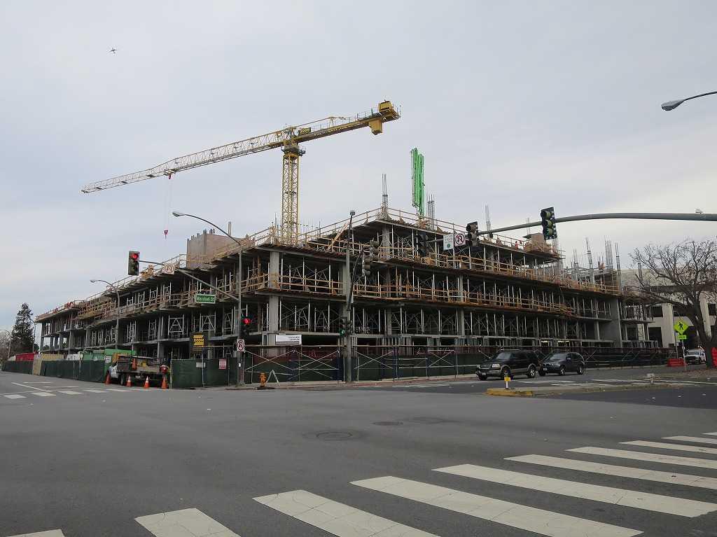 レッドウッドシティ - 建設現場