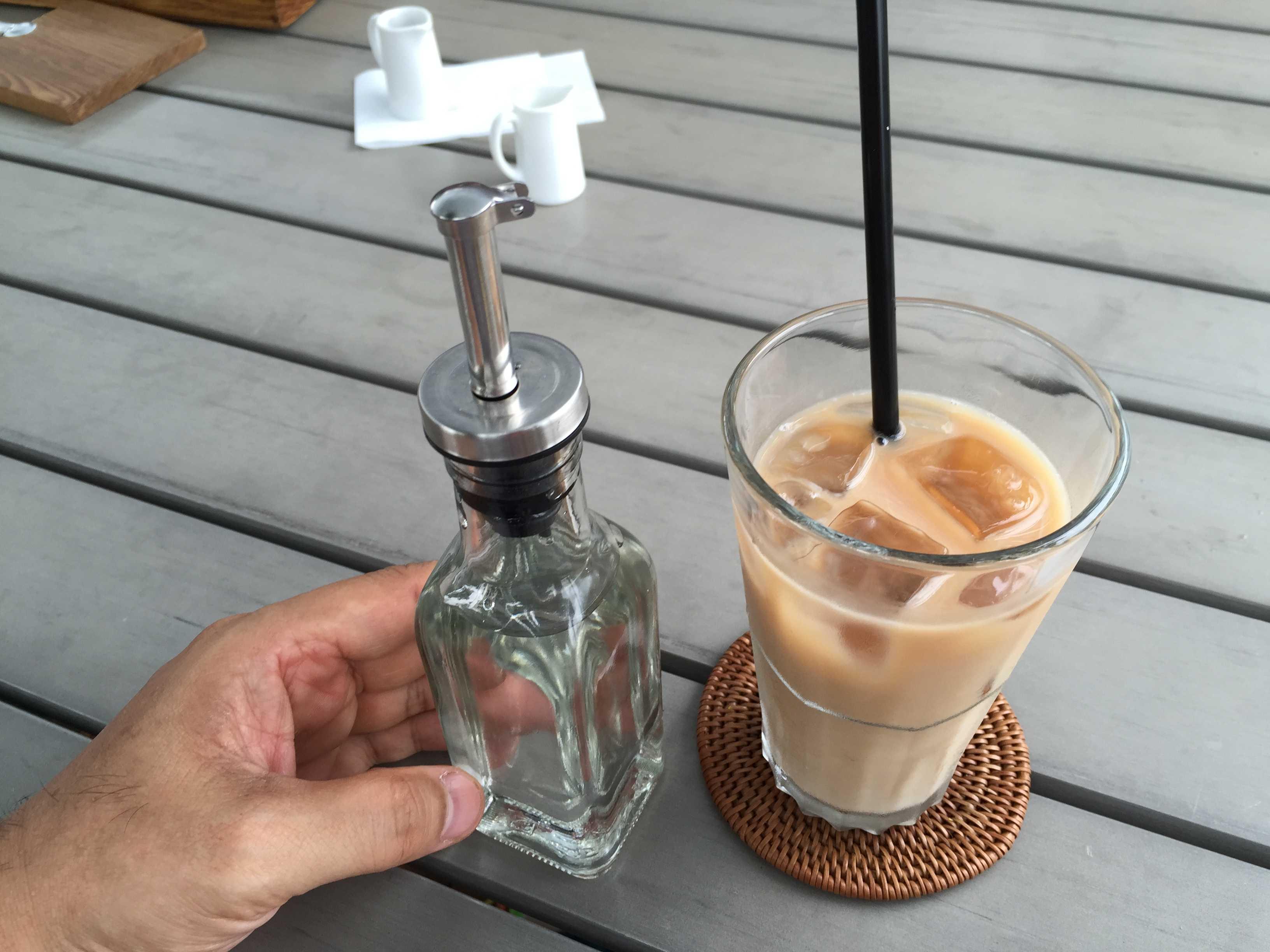 アイスミルクティー - カキノキテラス