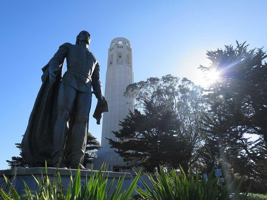 コイトタワー前のコロンブス像