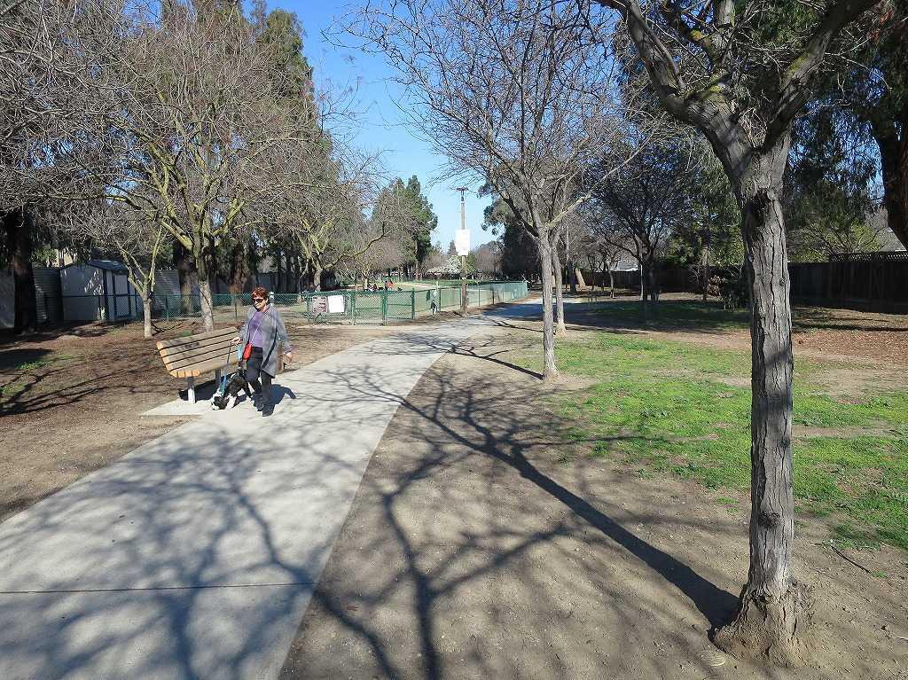 サラトガ・ドッグ・パーク(Saratoga Dog Park)