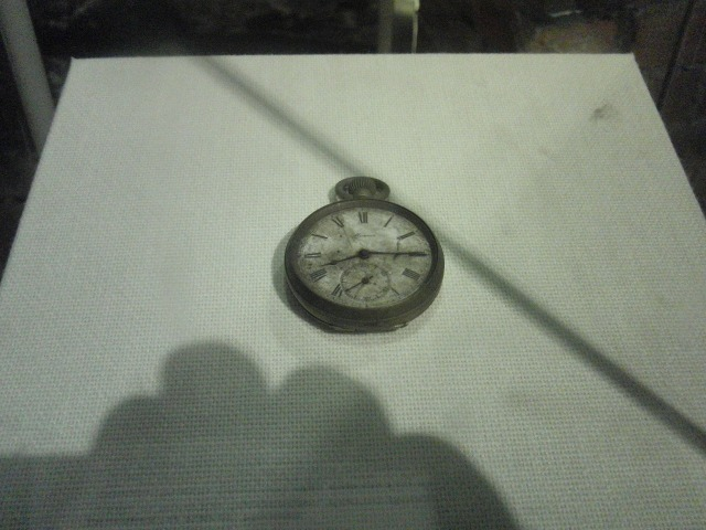 原爆が投下された「午前8時15分」で止まった懐中時計