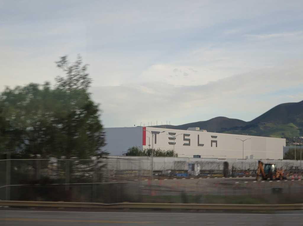シリコンバレーのテスラ工場