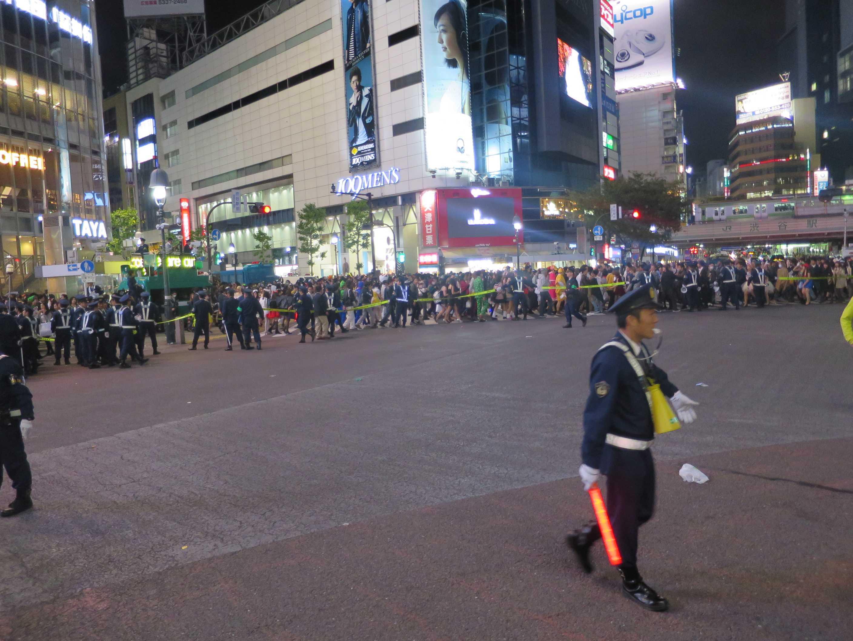 渋谷ハロウィン - 警察官