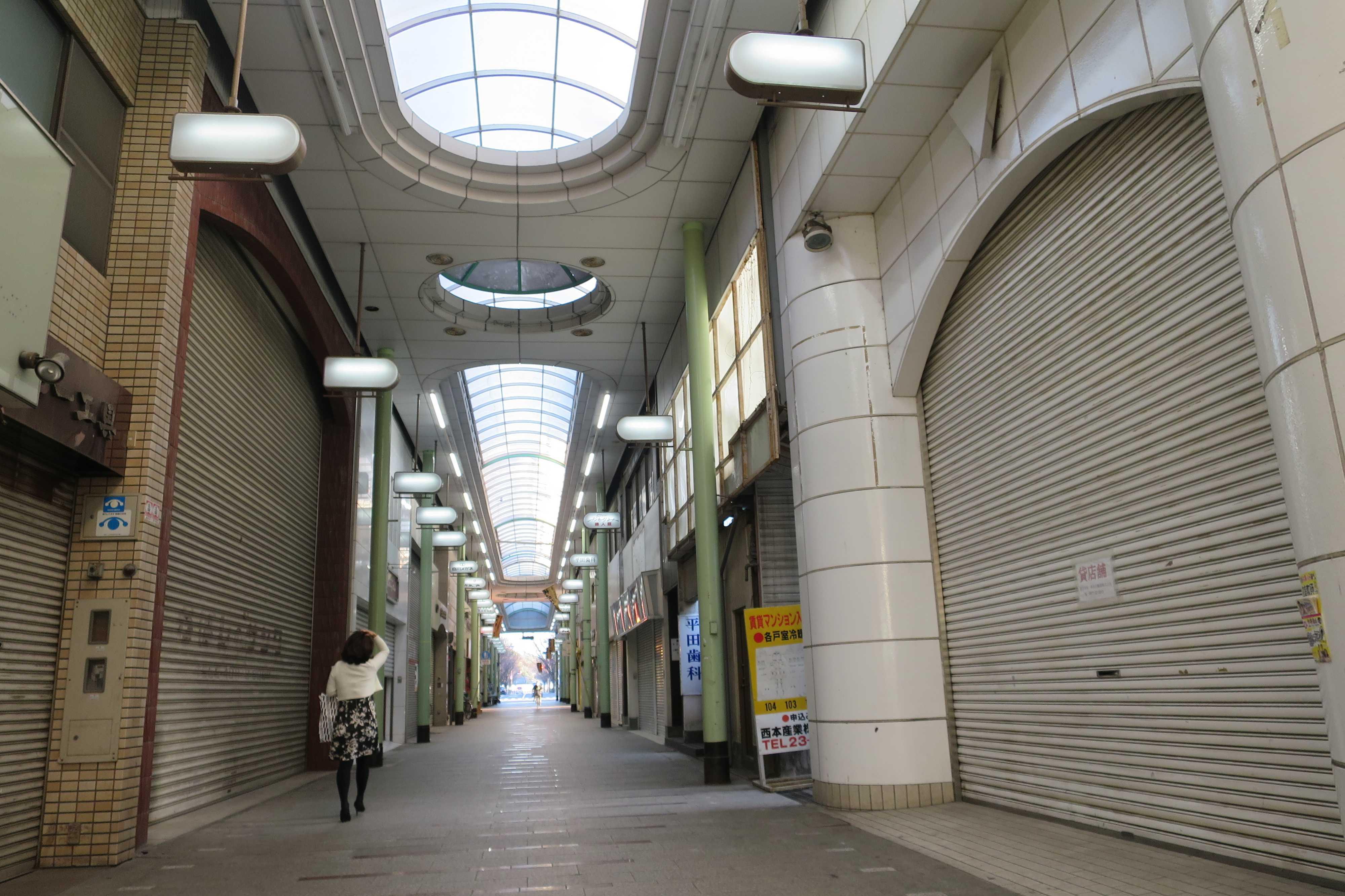 丸亀 - 通町商店街(シャッター街)