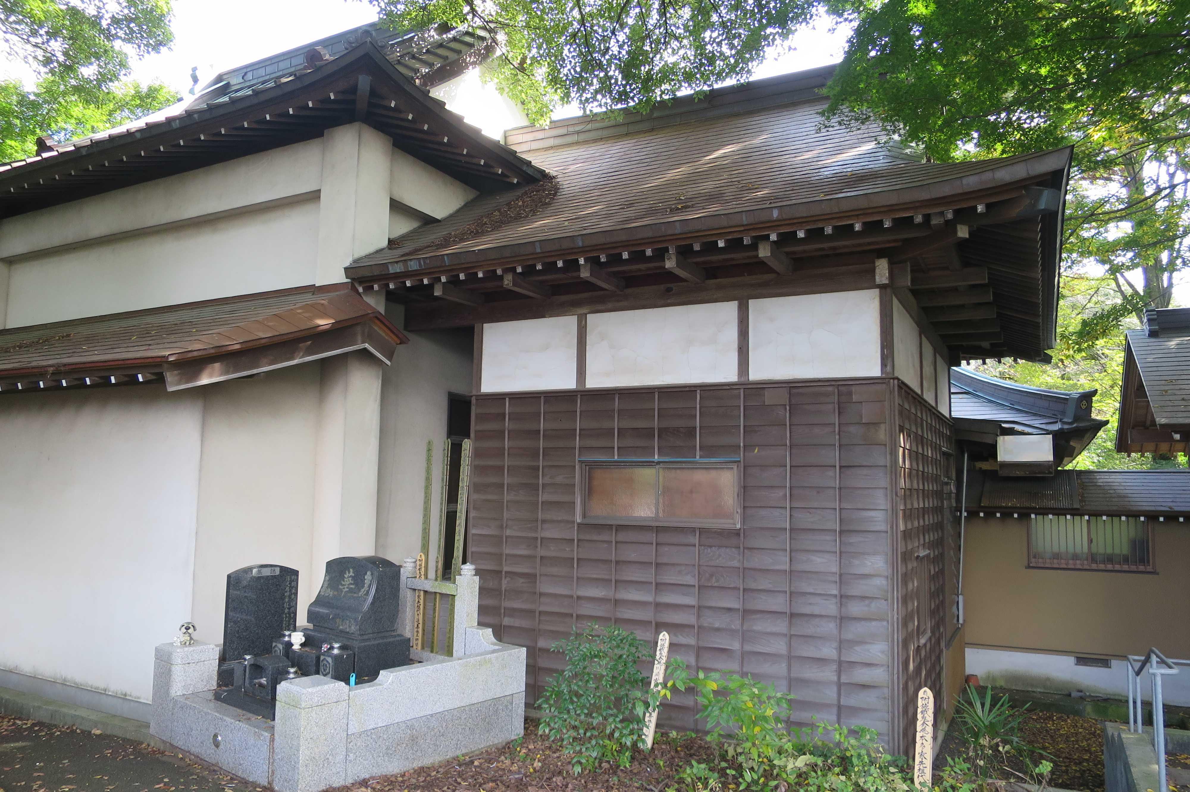 無量光寺 - 本堂の裏側