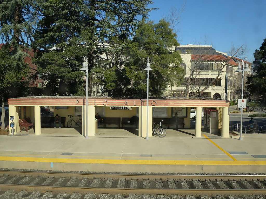 カルトレインの車窓 36 - PALO ALTO 駅