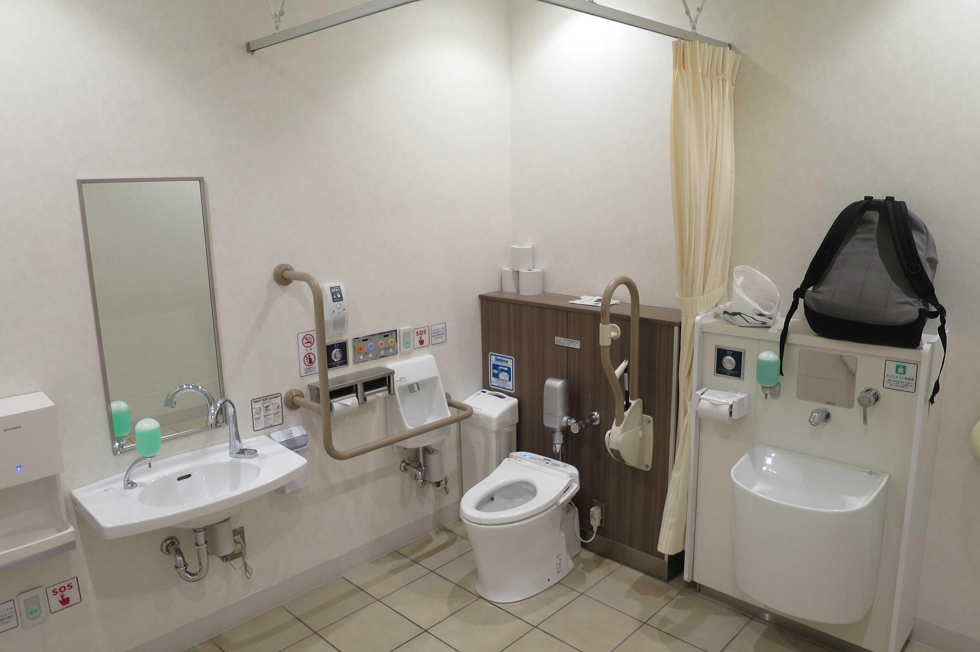 イオンモール岡山の豪華トイレ