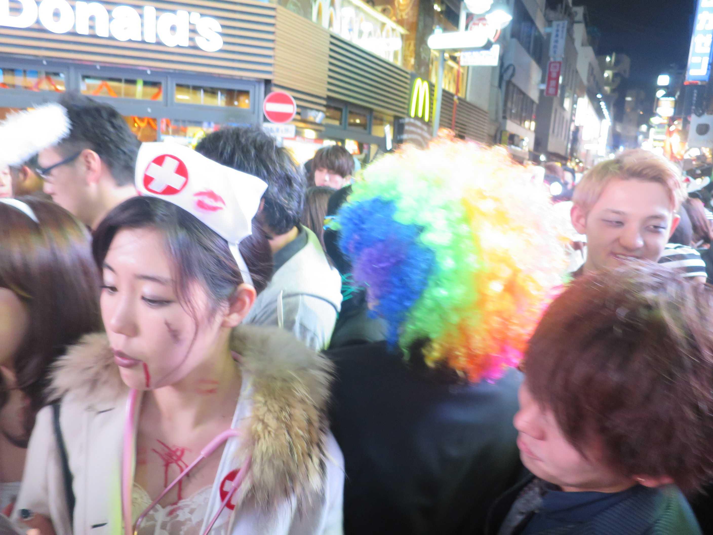 渋谷ハロウィン - 血を垂らした看護婦さん