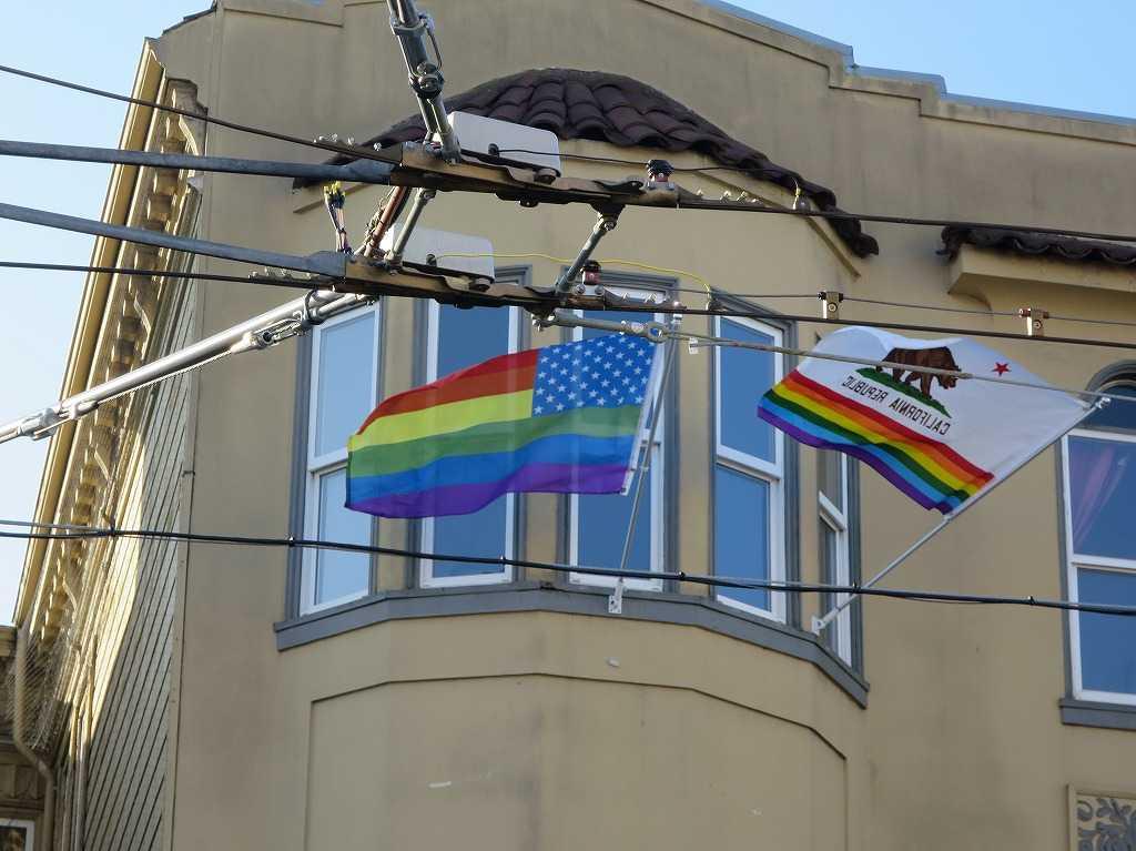 レインボー星条旗とレインボーカリフォルニア州旗