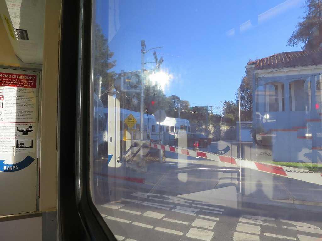 VTAライトレールの車窓