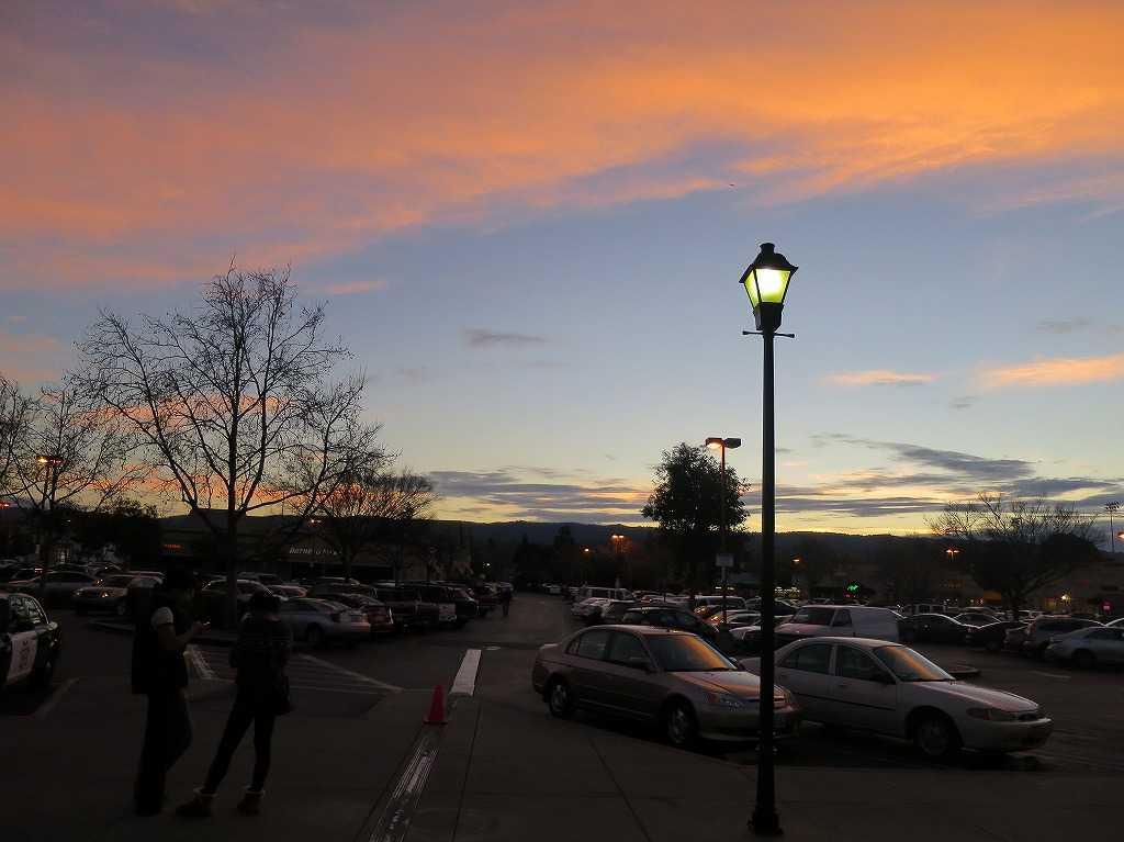 レッドウッドシティ駅前の夕焼け