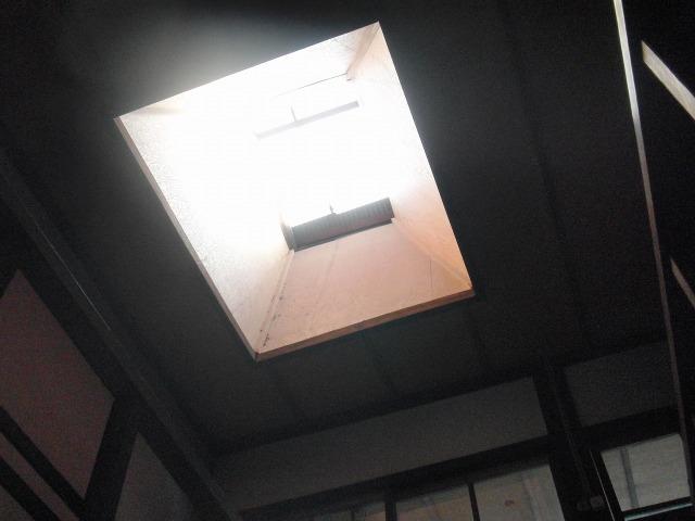 鞆・築うん百年の古商家の天窓